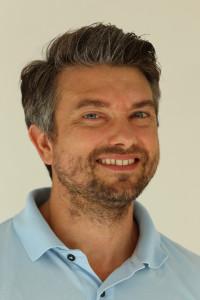 Dr. Heinzle